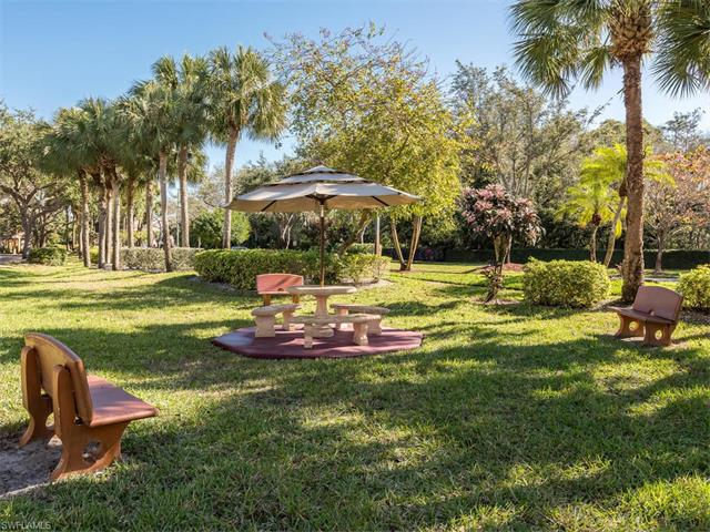 1655 Windy Pines Dr 10, Naples, FL 34112