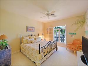 12824 Coco Plum Ln, Naples, FL 34119