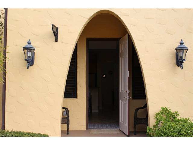 8985 Cambria Cir 21-1, Naples, FL 34113
