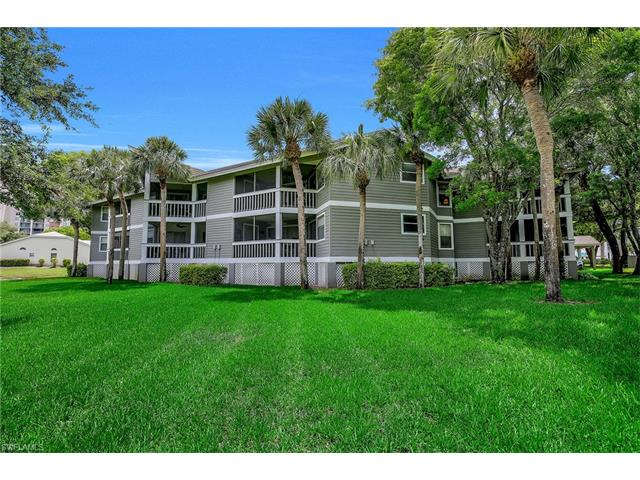 662 Wiggins Bay Dr B-22, Naples, FL 34110