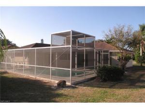 271 Bay Meadows Dr, Naples, FL 34113