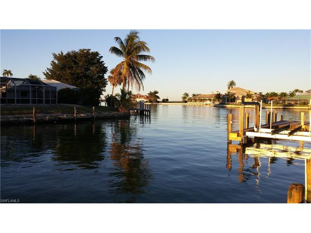 654 Bamboo Ct, Marco Island, FL 34145