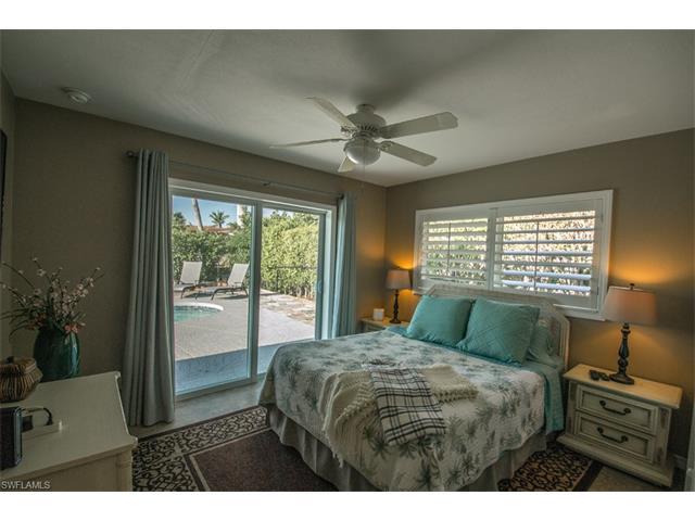 479 Seagull Ave, Naples, FL 34108