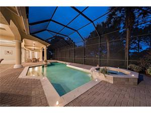 850 Barcarmil Way, Naples, FL 34110