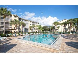 360 Horse Creek Dr S 502, Naples, FL 34110