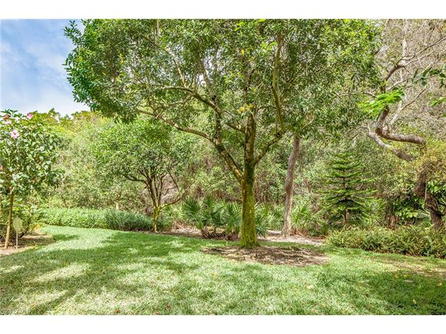 963 Barcarmil Way, Naples, FL 34110