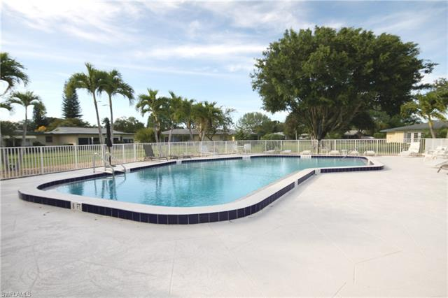 1422 Tredegar Dr, Fort Myers, FL 33919