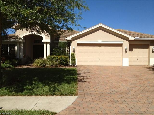 306 Saddlebrook Ln, Naples, FL 34110