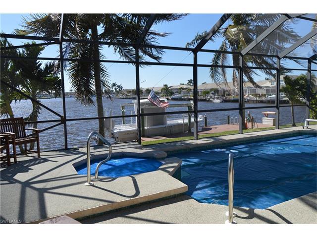 215 Cays Dr, Naples, FL 34114