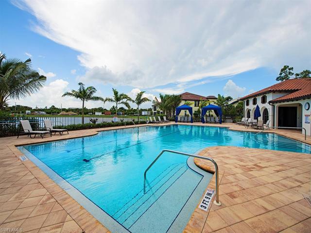 15130 Palmer Lake Cir 101, Naples, FL 34109