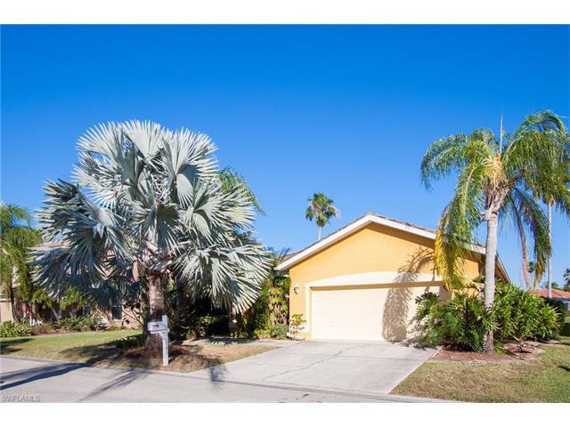11161 Lakeland Cir, Fort Myers, FL 33913