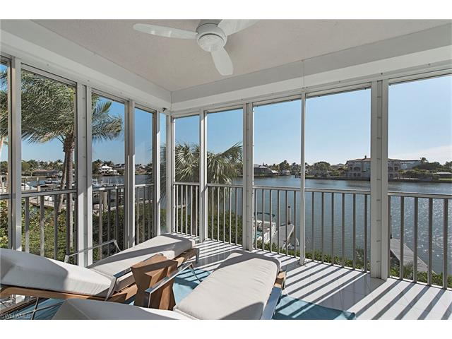 9790 Gulf Shore Dr 104, Naples, FL 34108