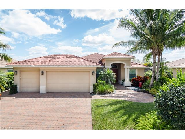 323 Saddlebrook Ln, Naples, FL 34110