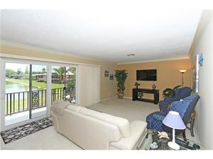 211 Palm Dr 211-2, Naples, FL 34112