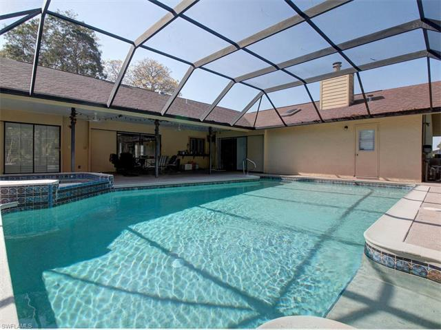 2210 Regal Way, Naples, FL 34110