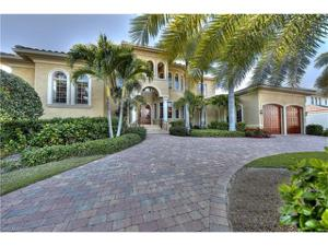 1940 6th St S, Naples, FL 34102