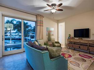 2520 Tarpon Rd, Naples, FL 34102