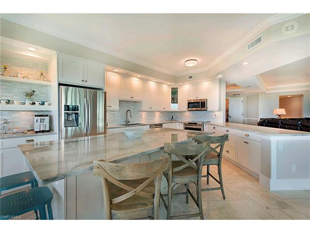 295 Grande Way 1101, Naples, FL 34110