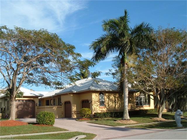827 Banyan Ct, Marco Island, FL 34145