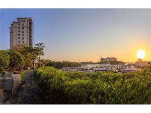 420 Cove Tower Dr 703, Naples, FL 34110