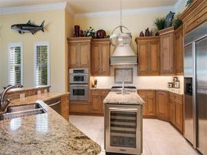2080 Sheepshead Dr, Naples, FL 34102
