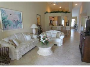 790 Wiggins Lake Dr 203, Naples, FL 34110