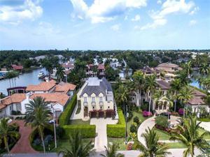 2260 Marina Dr, Naples, FL 34102