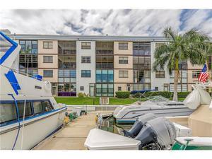 801 River Point Dr A-205, Naples, FL 34102
