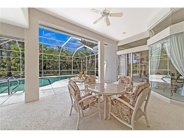 2029 Castle Garden Ln, Naples, FL 34110