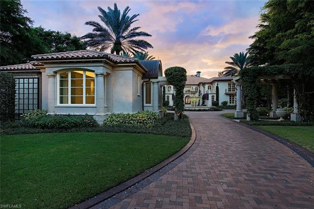 2750 Gordon Dr, Naples, FL 34102