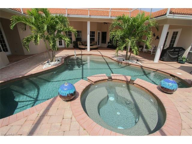 10819 Fieldfair Dr, Naples, FL 34119