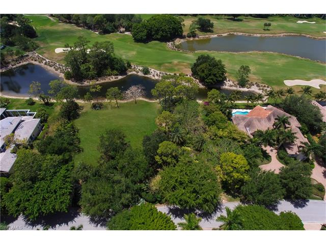 2935 Bellflower Ln, Naples, FL 34105