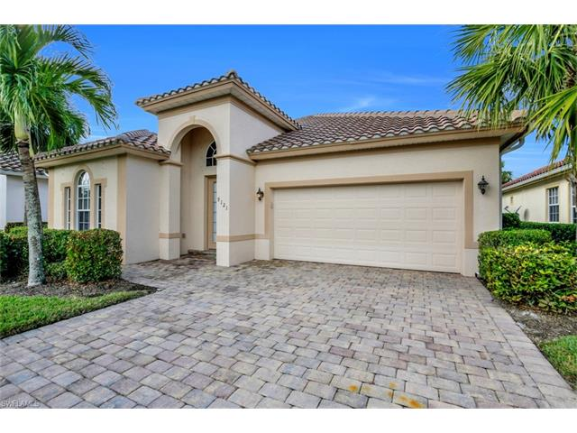 9121 Quartz Ln, Naples, FL 34120