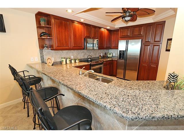 315 Dunes Blvd Ph4, Naples, FL 34110