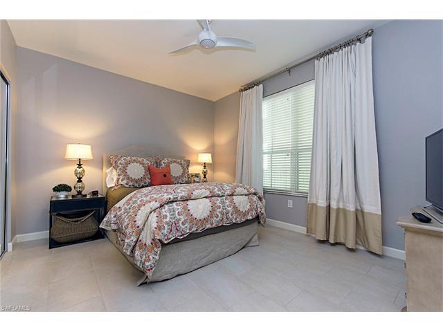 300 Dunes Blvd 704, Naples, FL 34110
