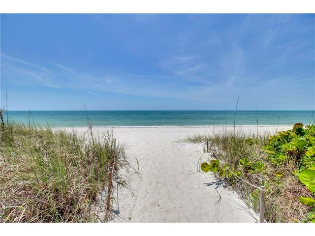 10951 Gulf Shore Dr 902, Naples, FL 34108