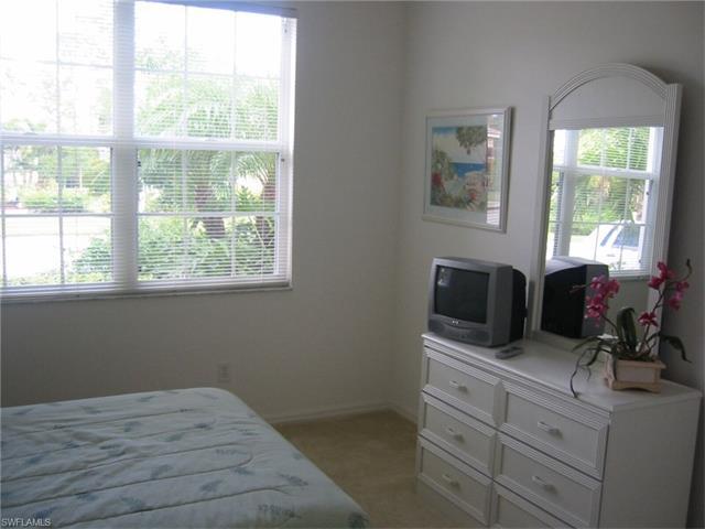 909 Fairhaven Ct 31, Naples, FL 34104