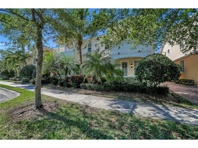 8072 Josefa Way, Naples, FL 34114