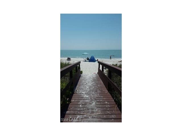 723 Willowhead Dr, Naples, FL 34103