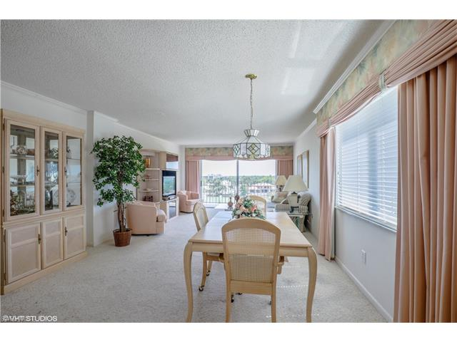 2150 Gulf Shore Blvd N #703, Naples, FL 34102