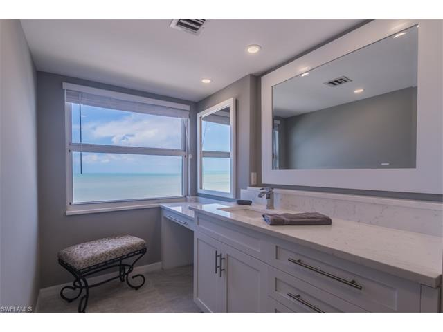 9577 Gulf Shore Dr 802, Naples, FL 34108