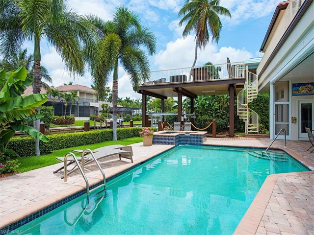 453 18th Ave S, Naples, FL 34102