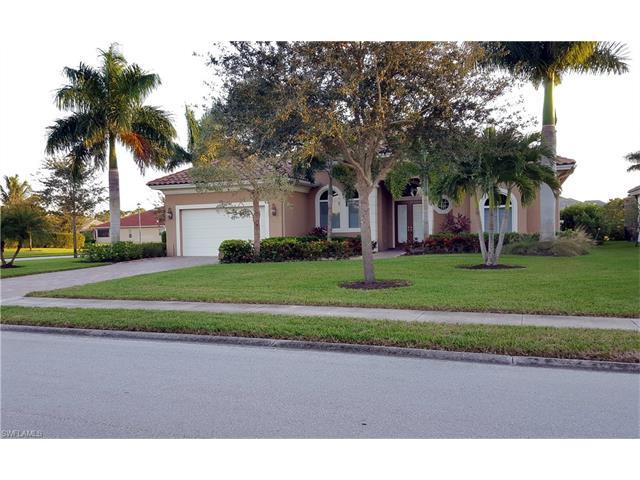 430 Saddlebrook Ln, Naples, FL 34110
