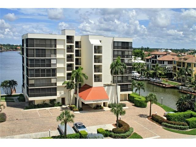 10420 Gulf Shore Dr 111, Naples, FL 34108