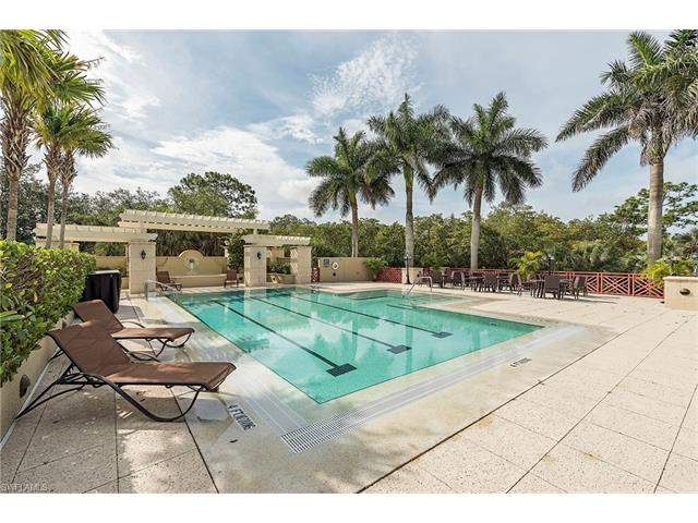 874 Barcarmil Way, Naples, FL 34110
