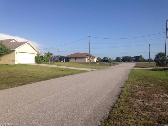 1613 9th Ave, Cape Coral, FL 33993