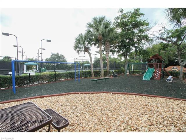 1133 Sweetwater Ln 3102, Naples, FL 34110