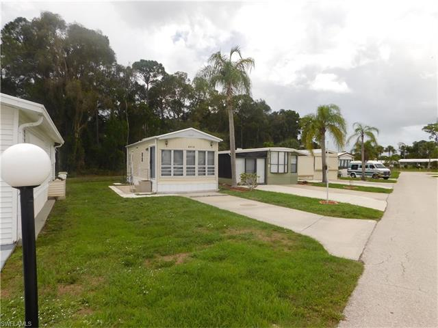 8516 Pepperwood Dr, Estero, FL 33928