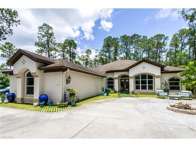 6121 Golden Oaks Ln, Naples, FL 34119