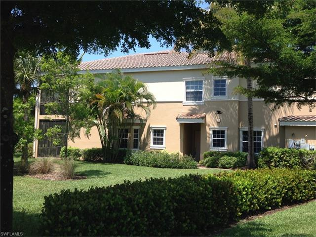 3053 Aviamar Cir, Naples, FL 34114